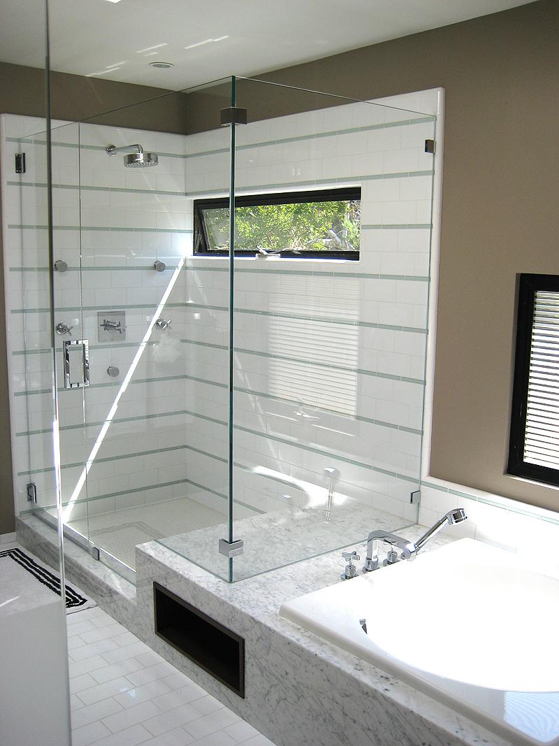 10A 315 MBR Shower.jpg