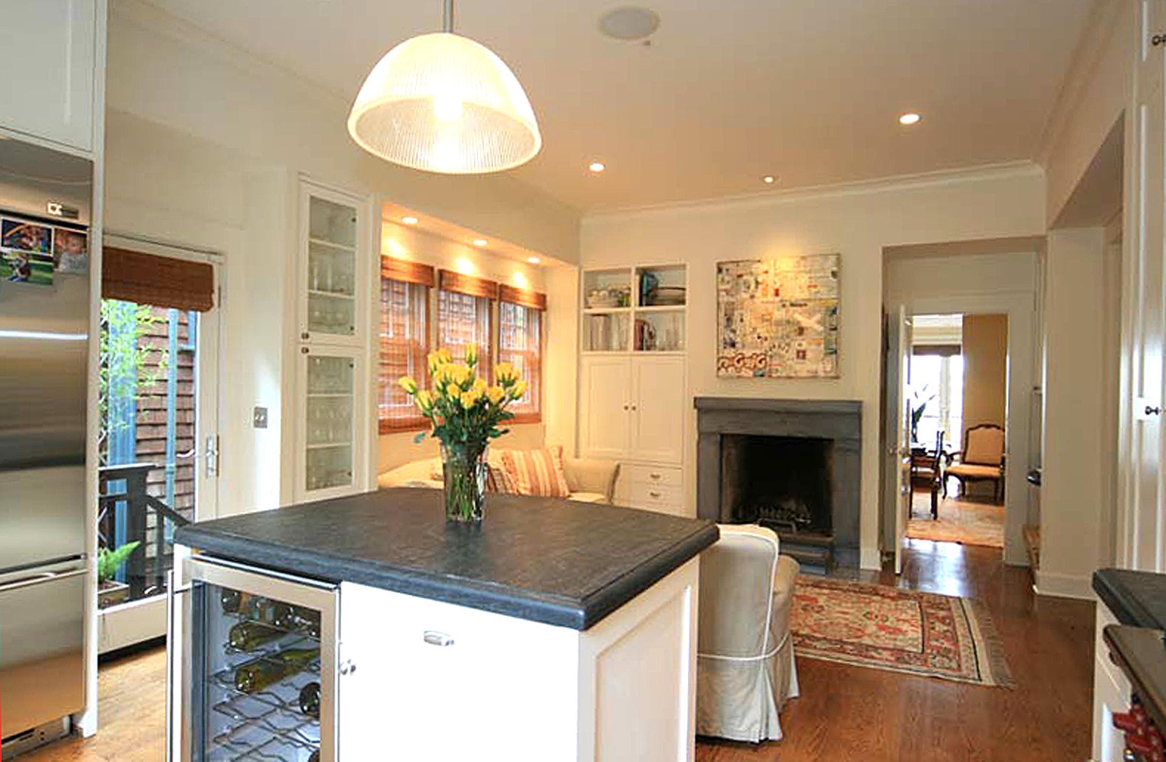 4 - 212 Kitchen to Sitting.jpg