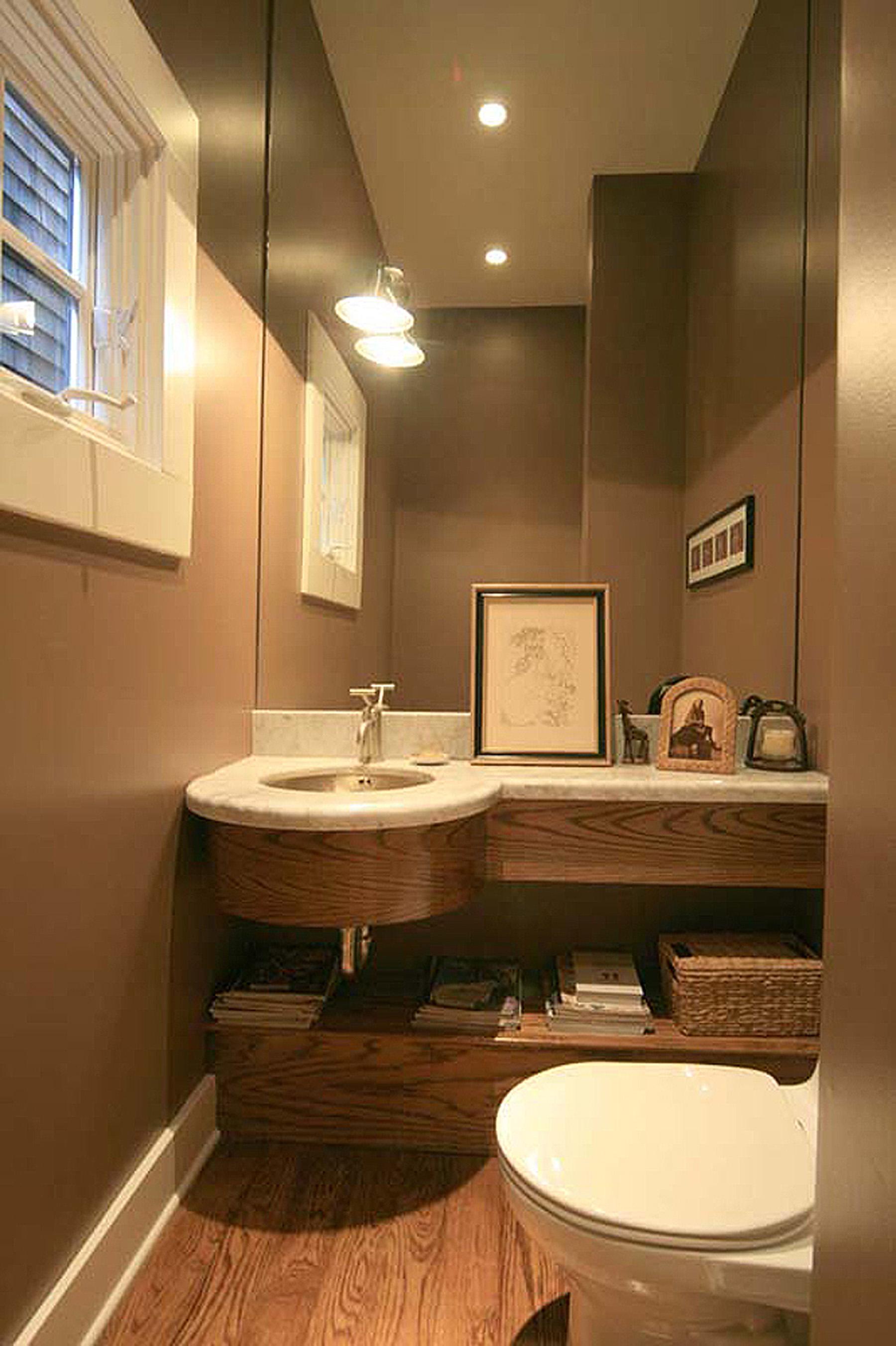 6 - 212 Bathroom.jpg