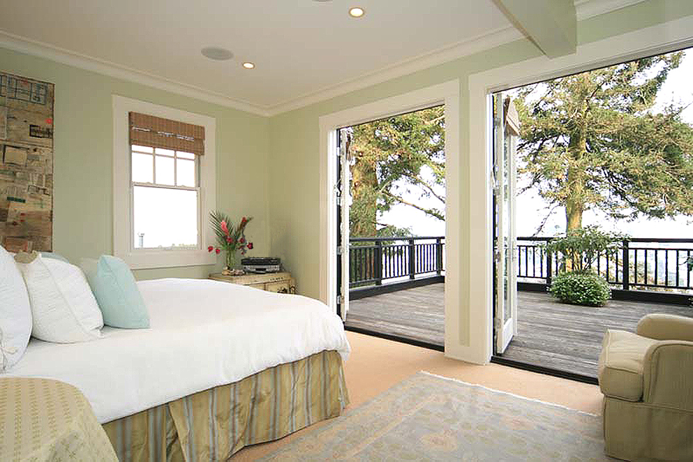 7 - 212 Master Bedroom.jpg