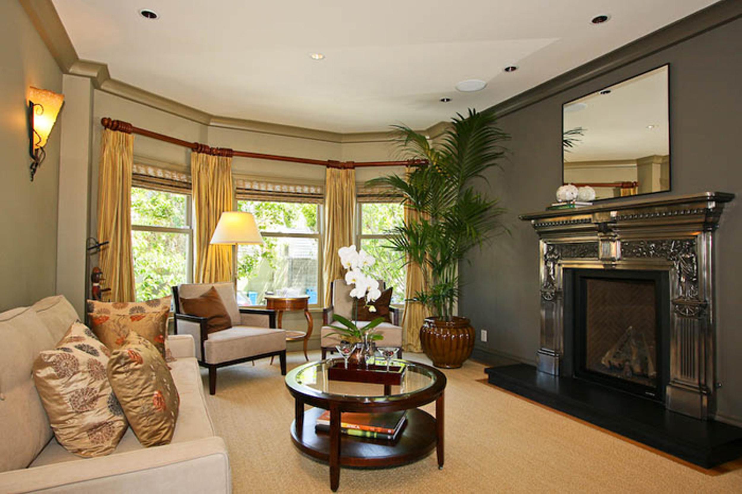 3-3715 22nd Living Room.jpg