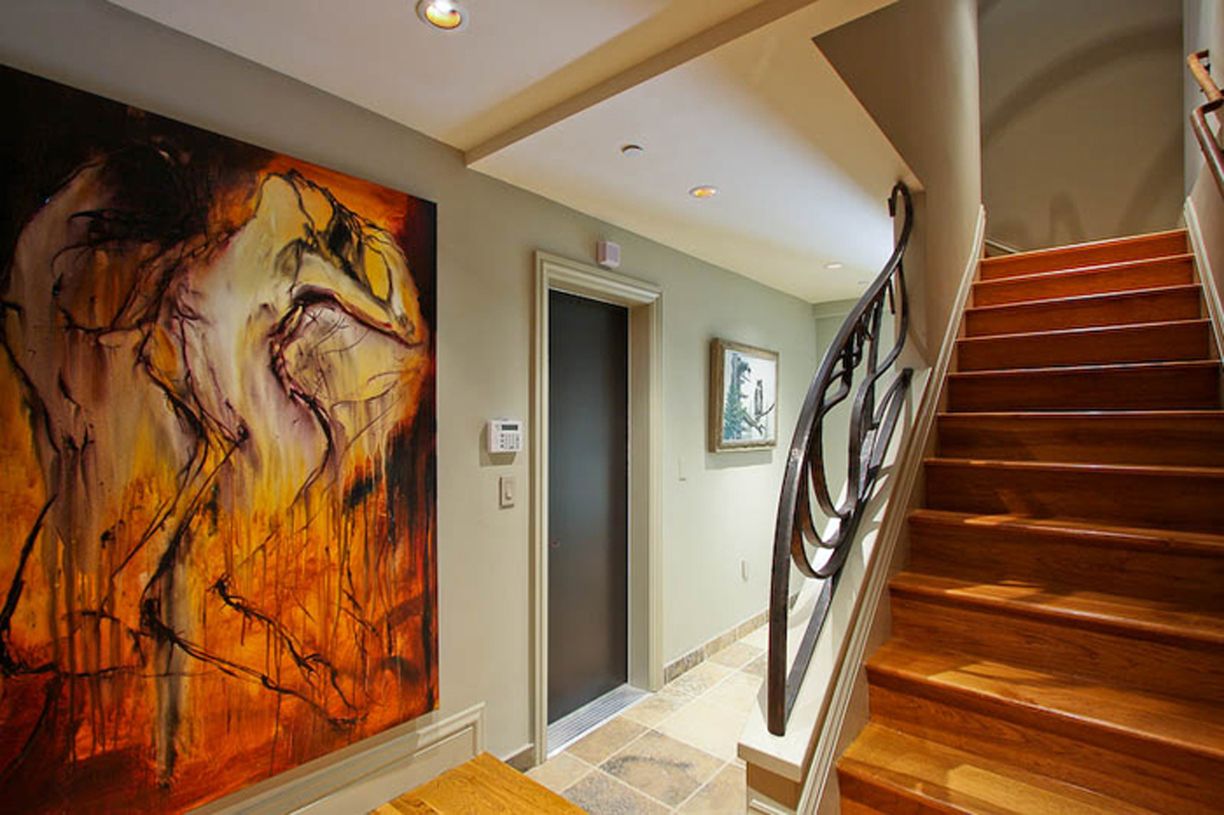 11-3715 22nd Stair to Apartment.jpg