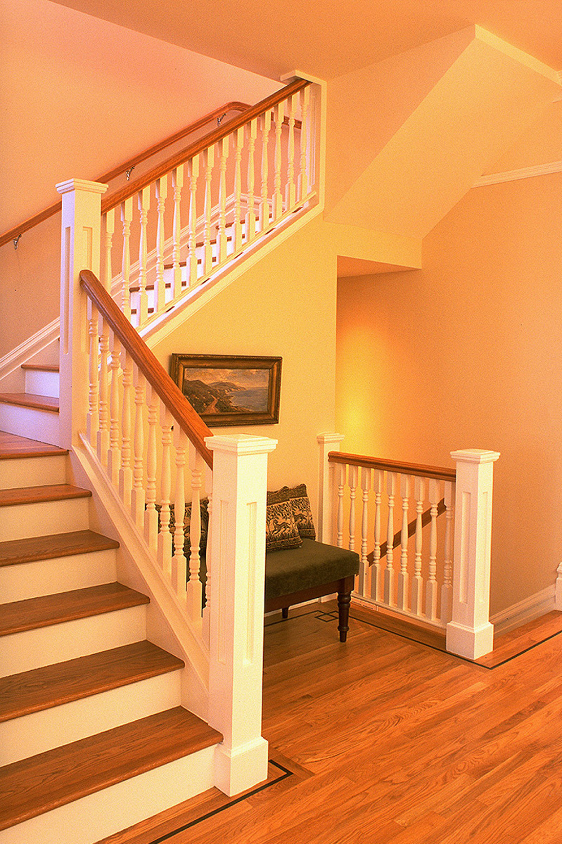 4 - 4031 Staircase.jpg