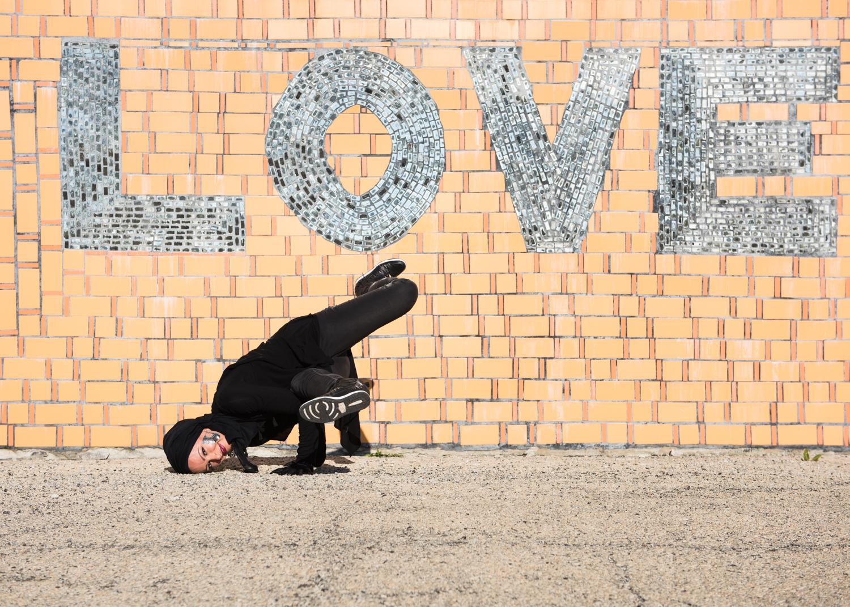 amirah-sackett-hip-hop-peace-mural-englewood