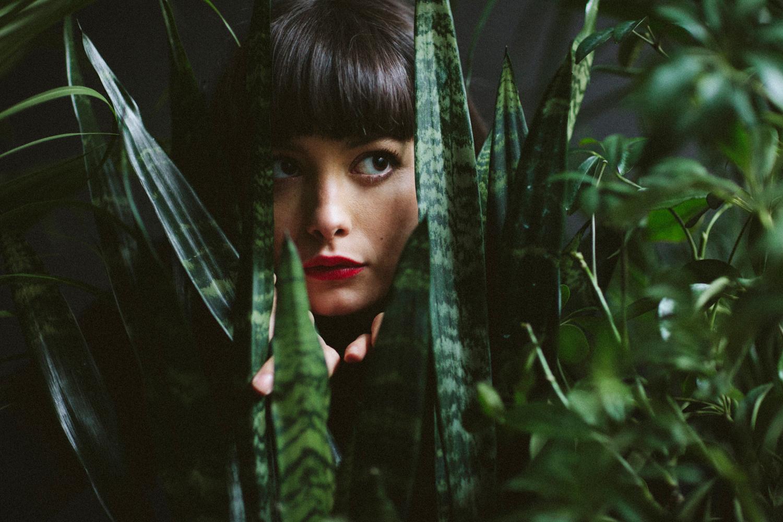 Amber Mahoney (  www.ambermahoney.com )