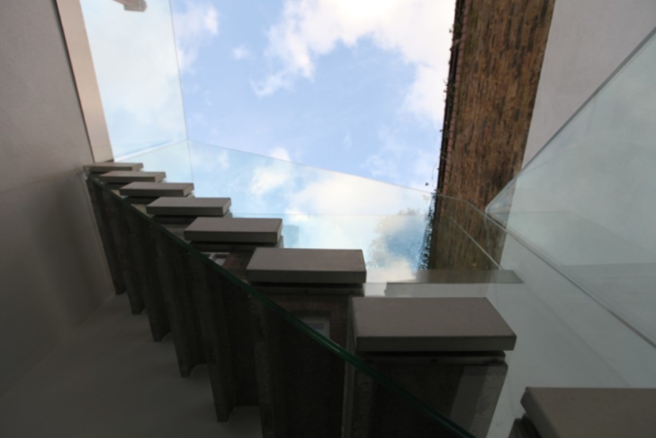 Floating-concrete-treads.png
