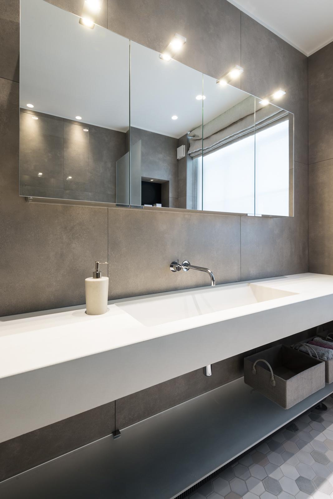Large-white-stone-marble-trough-basin.jpg