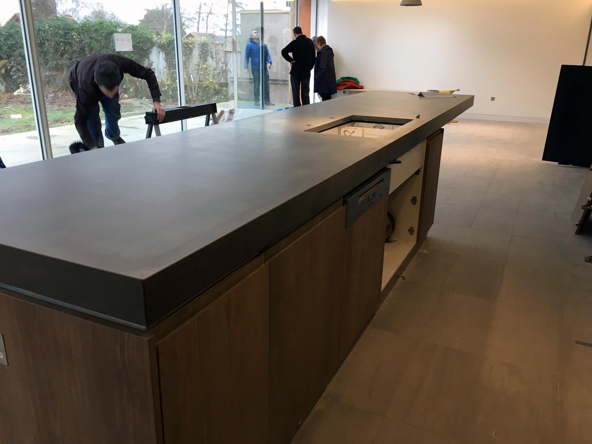 Cantilevered-Worktop-countertop.jpg