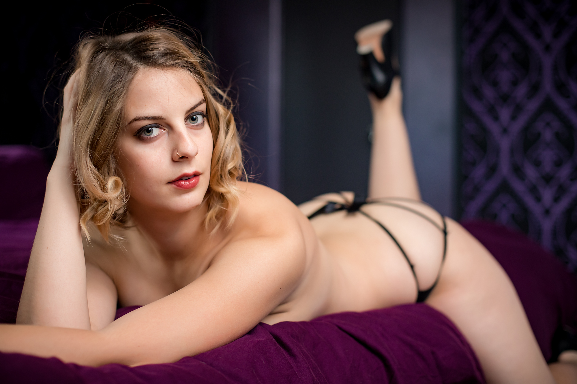 Check out Julia's full set by backing at  http://patreon.com/hellapositive !