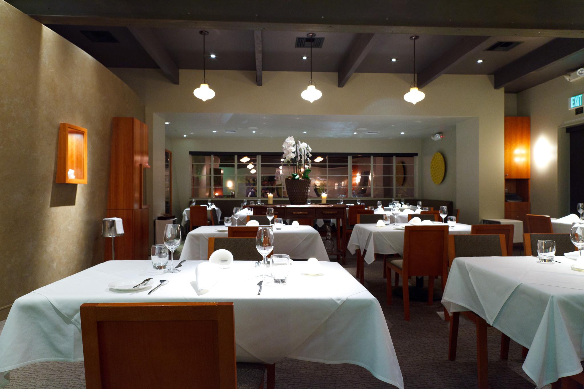 Manresa-San-Francisco-The-main-dining-room1.jpeg