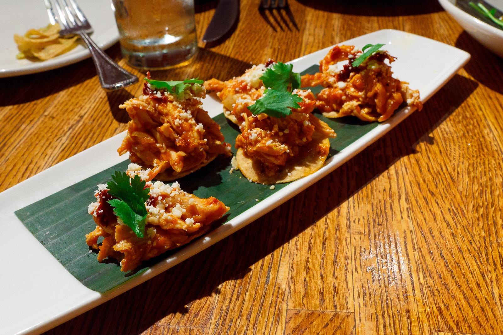 Tostaditas de tinga de pollo, crispy bite-sized tostadas