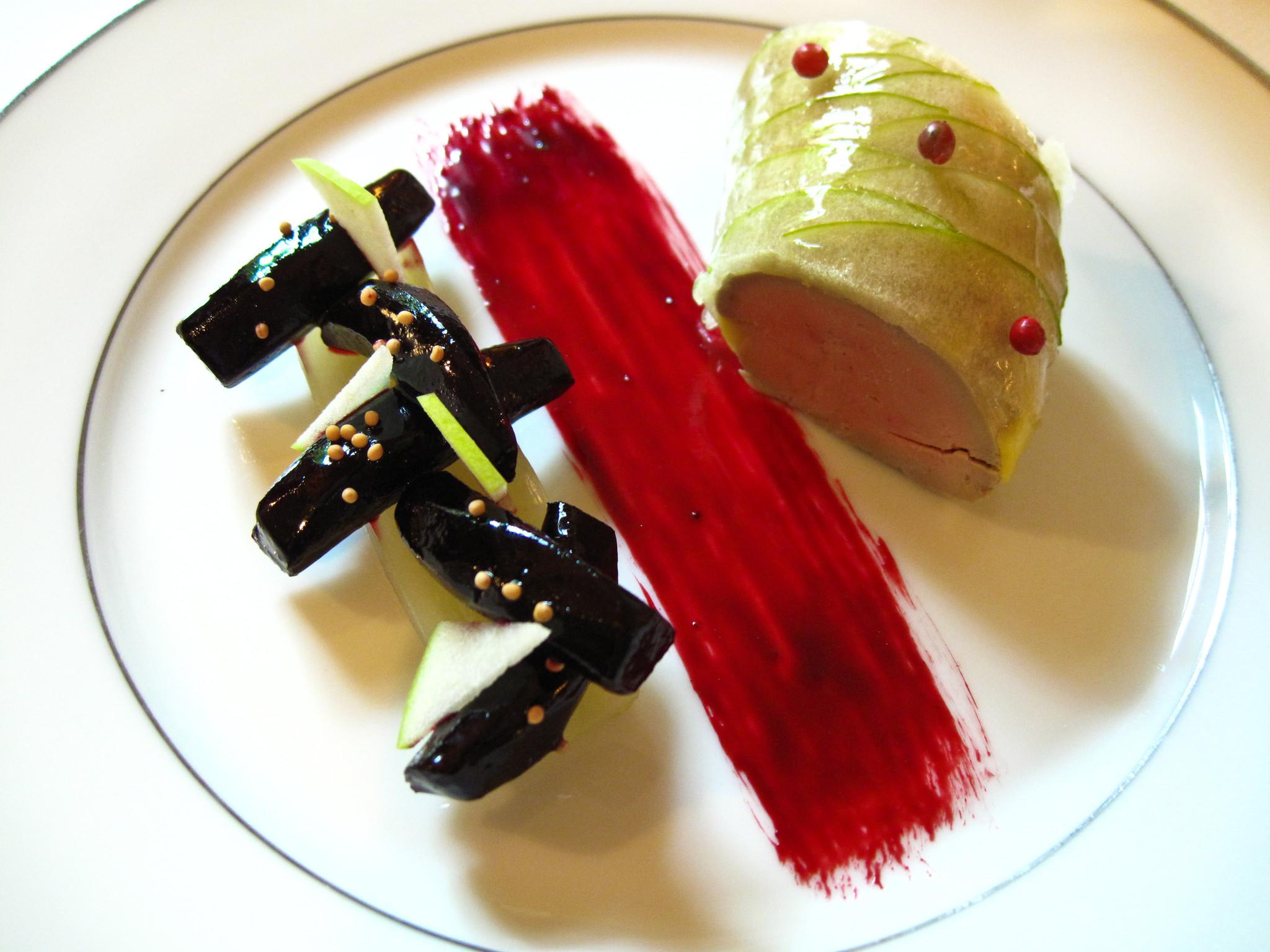 lAmbroisie-Foie-gras-de-canard-en-gelee-de-pomme-betteraves.jpg