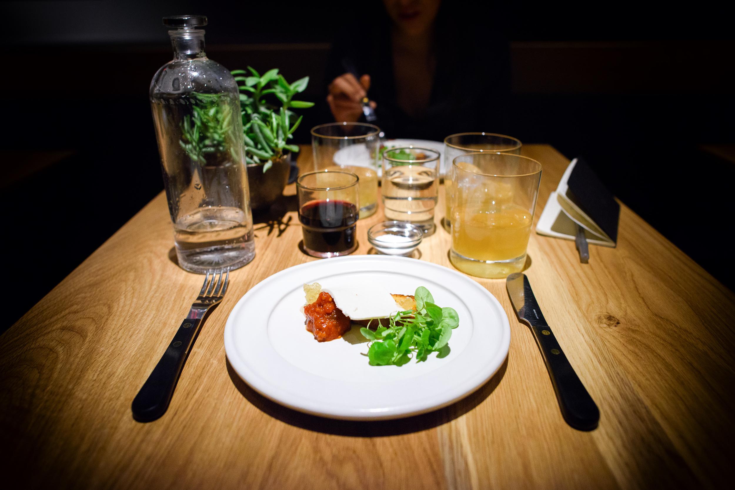 5th Course: Ricotta salata, brioche con mermelada de fruta y de