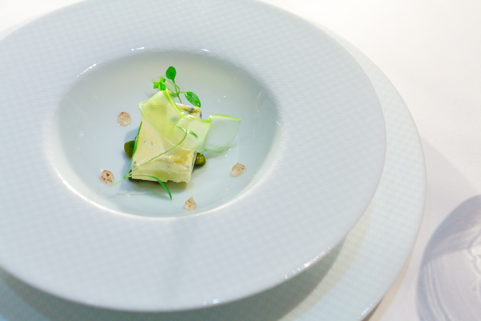 "17th Course: ""Bavarian blue,"" toasted pistachios and petite parsley with Szechuan pepper ""aigre-doux"""