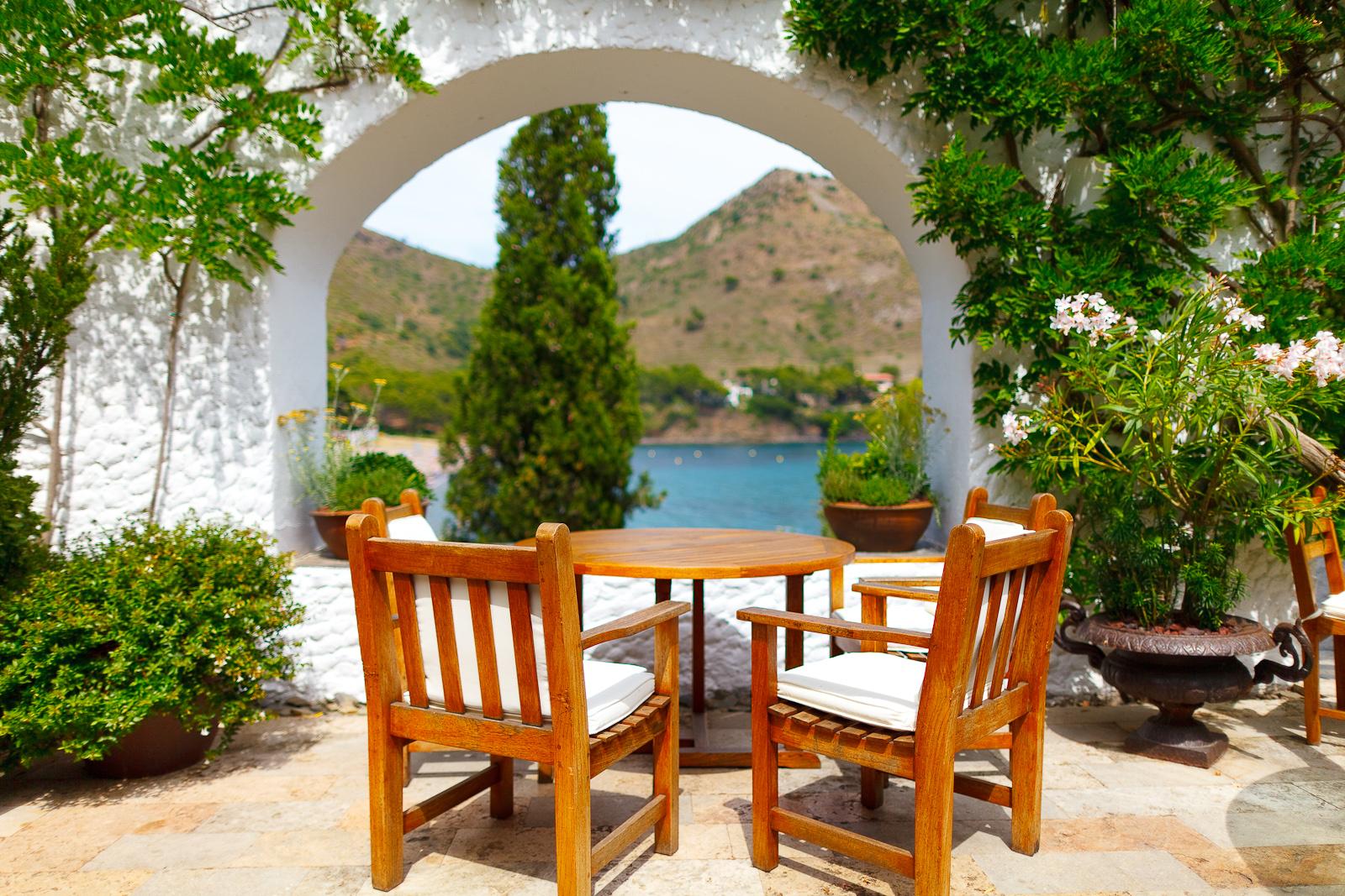 El Bulli, Spain - Taking a break on the terrace before the meat courses