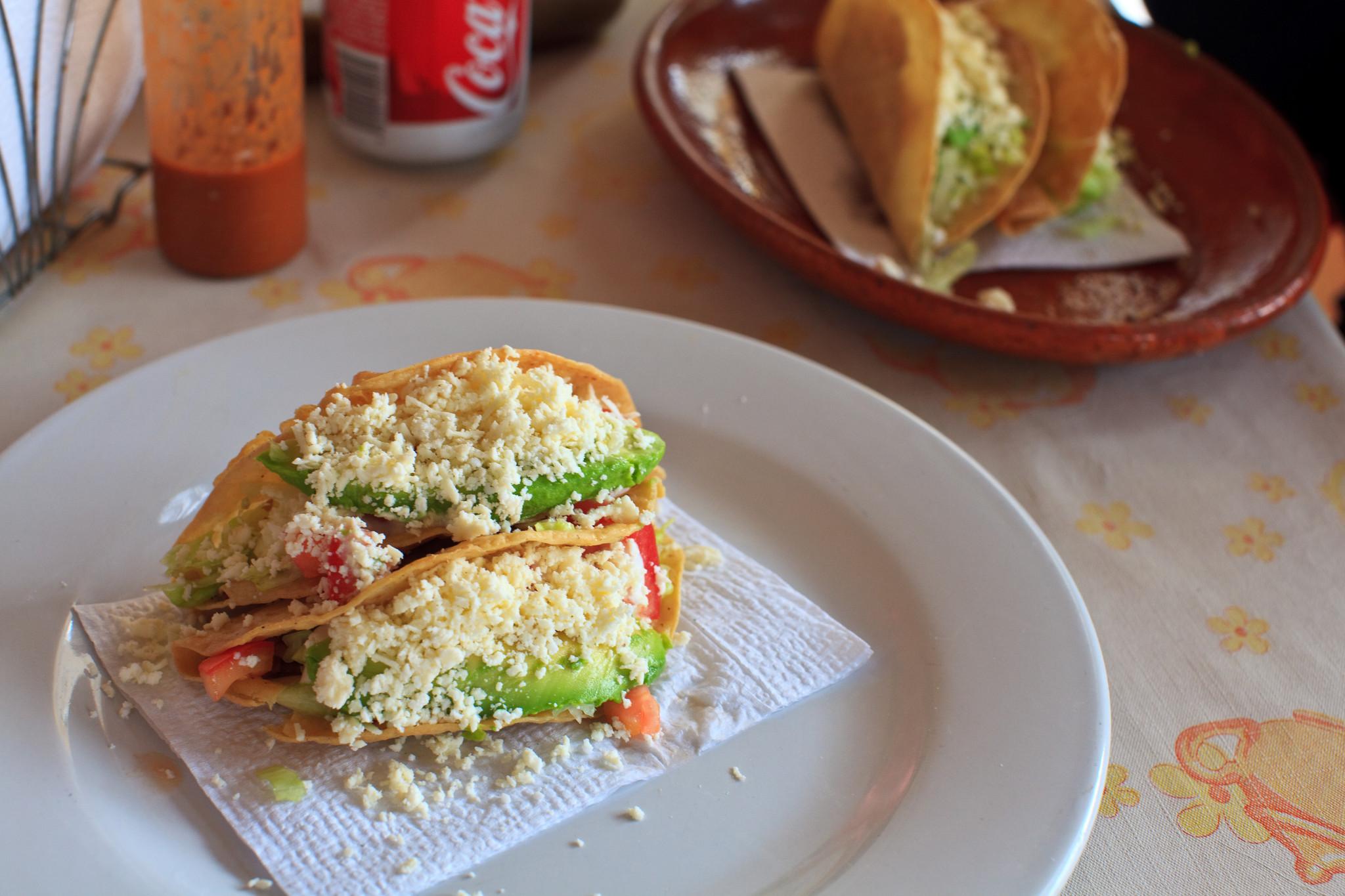 Dos Tacos Dorados