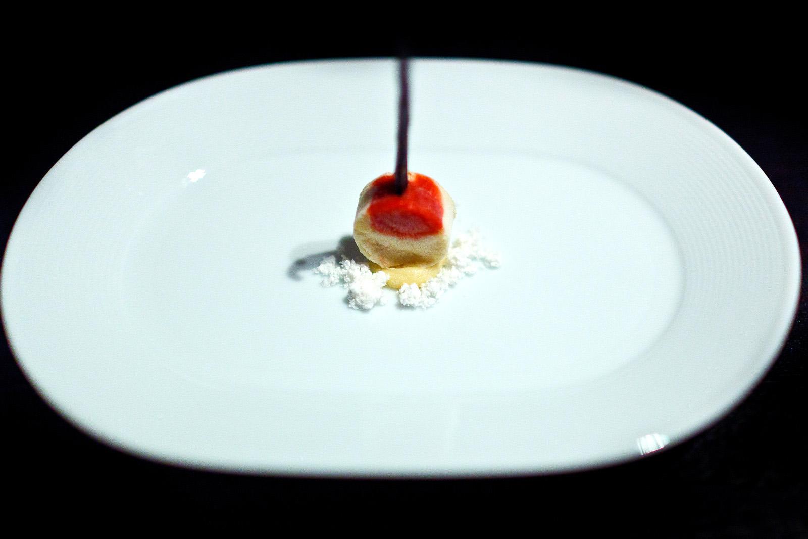 Alinea, Chicago - Pound cake, strawberry, lemon, vanilla bean