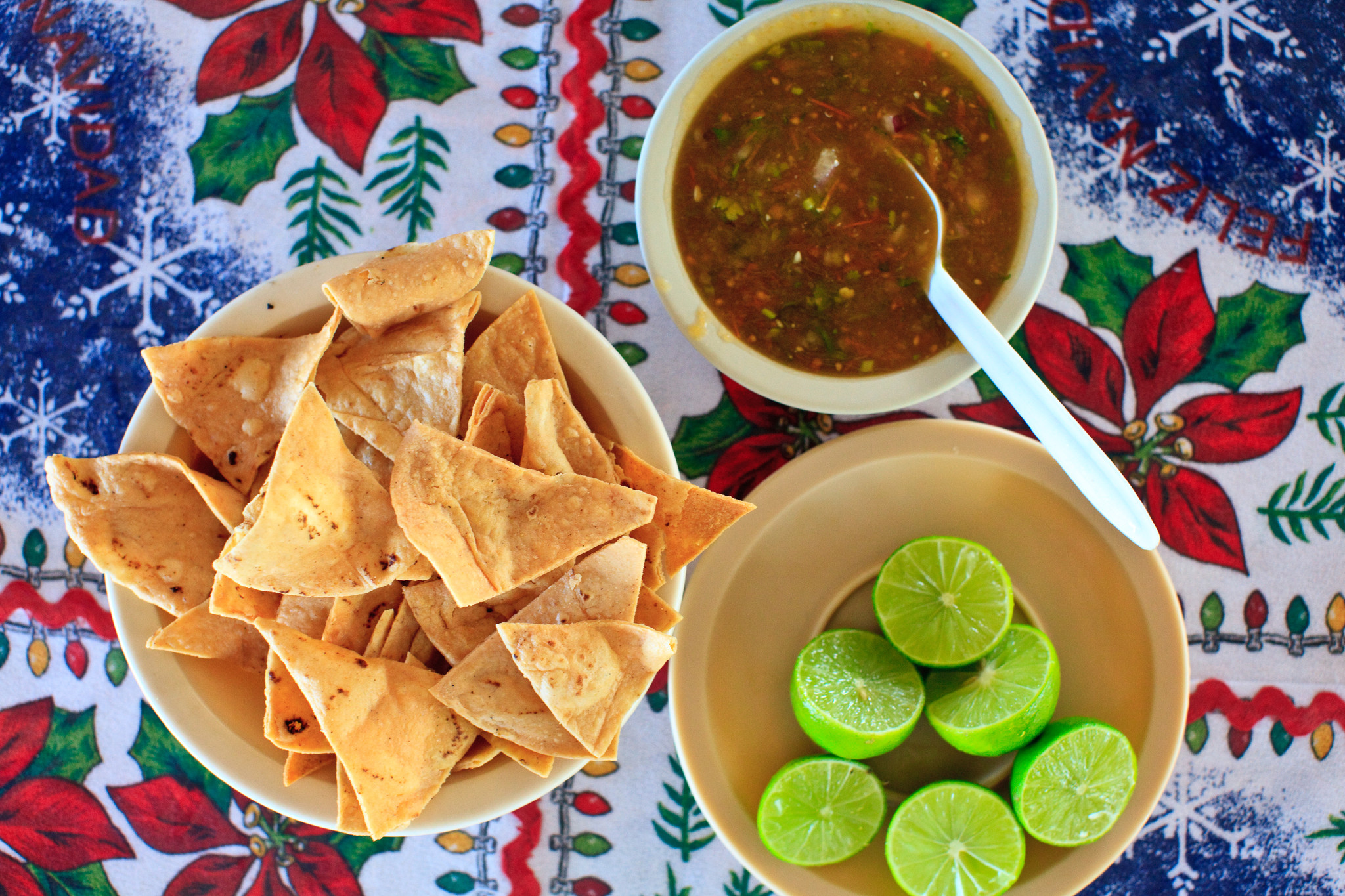 Mariscos el Sinaloense, San Jose del Cabo - Totopos y salsa