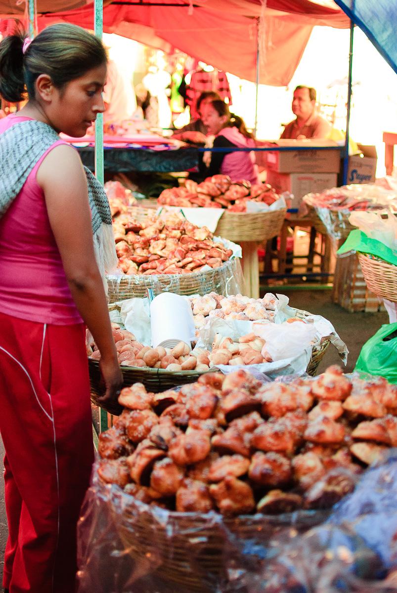 Mercado de Cholula - Selling Pan de