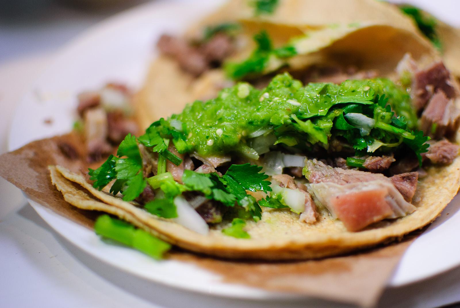 Mercado de Cholula - Dos Tacos de Barbacoa de Borrego