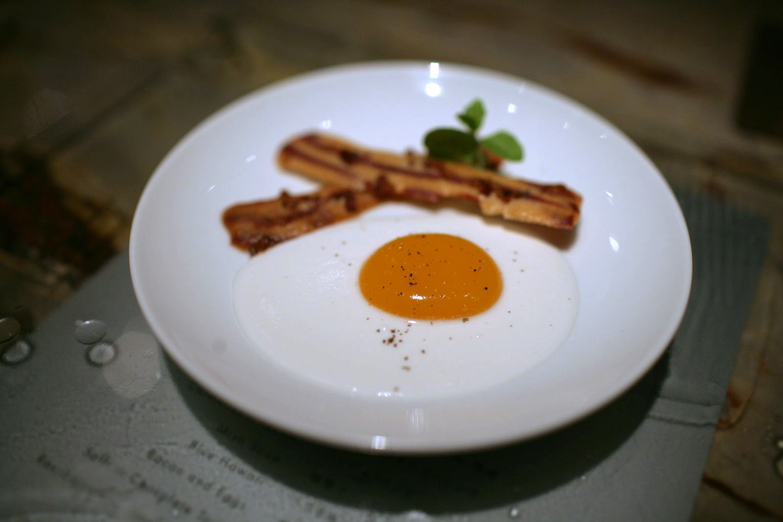 Tapas Molecular Bar - Bacon and Eggs