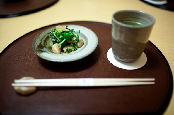 Koju, Tokyo - Halfbeak clam, small scallop, and Japanese green leaves