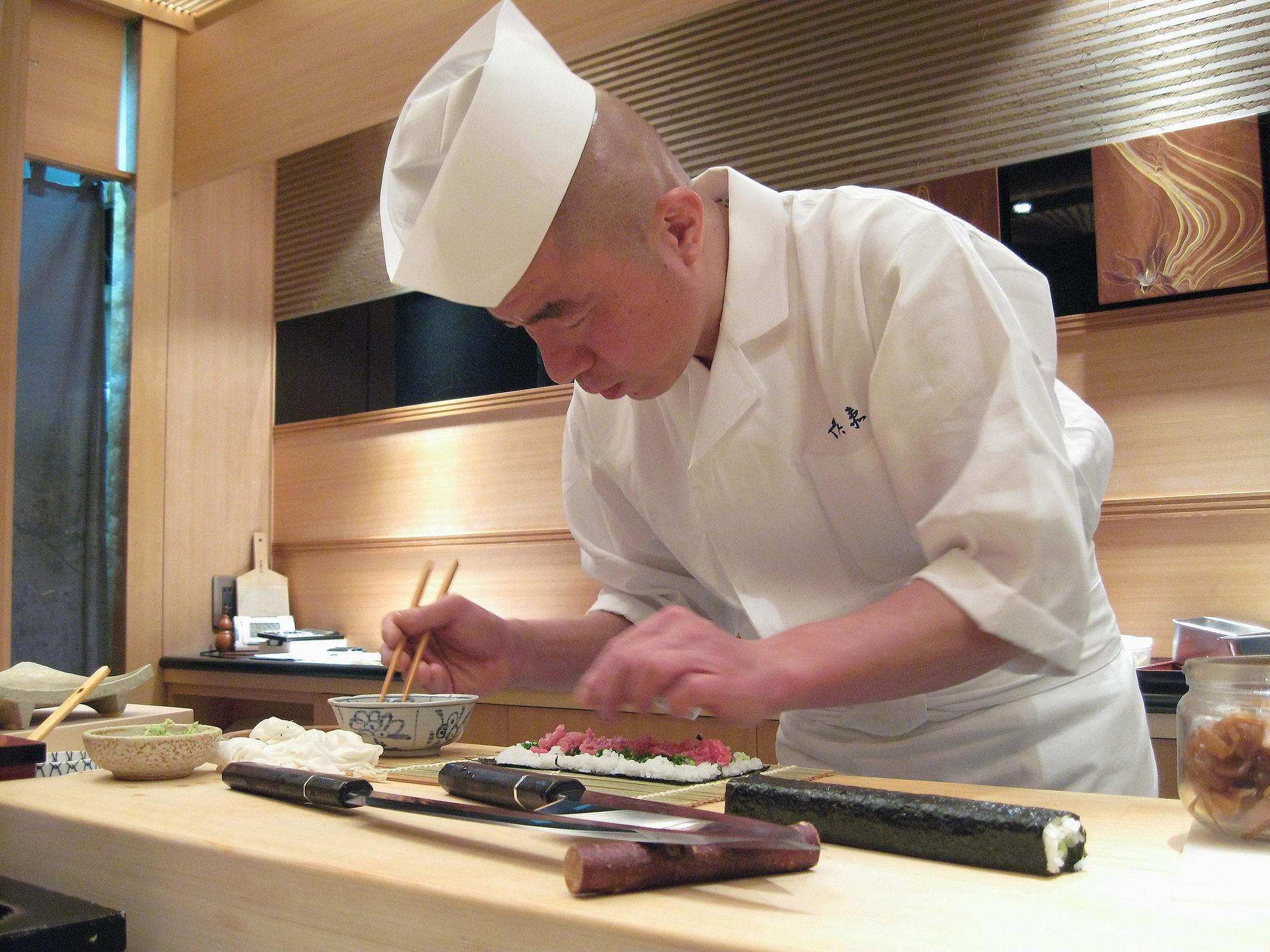 Kyubei, Ginza, Tokyo - Chef Preparing Negamaki