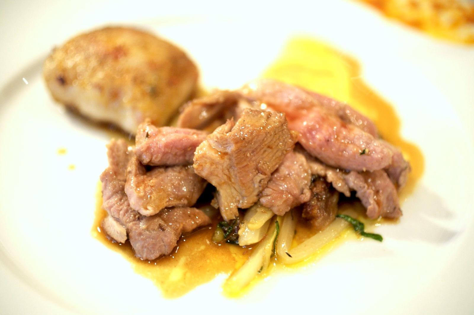 Pierre Gagnaire, Paris - Gigot d'agneau de lait rôti au colombo; Caillette de légumes de printemps