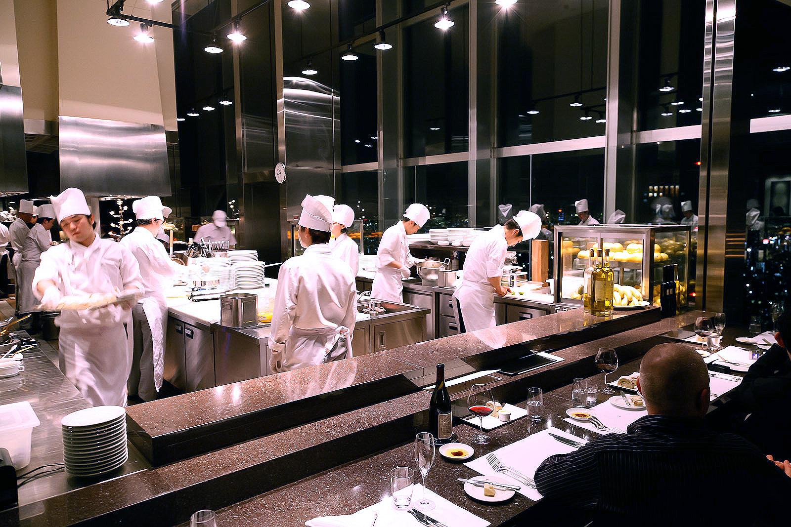 New York Grill, Tokyo - Kitchen at Work