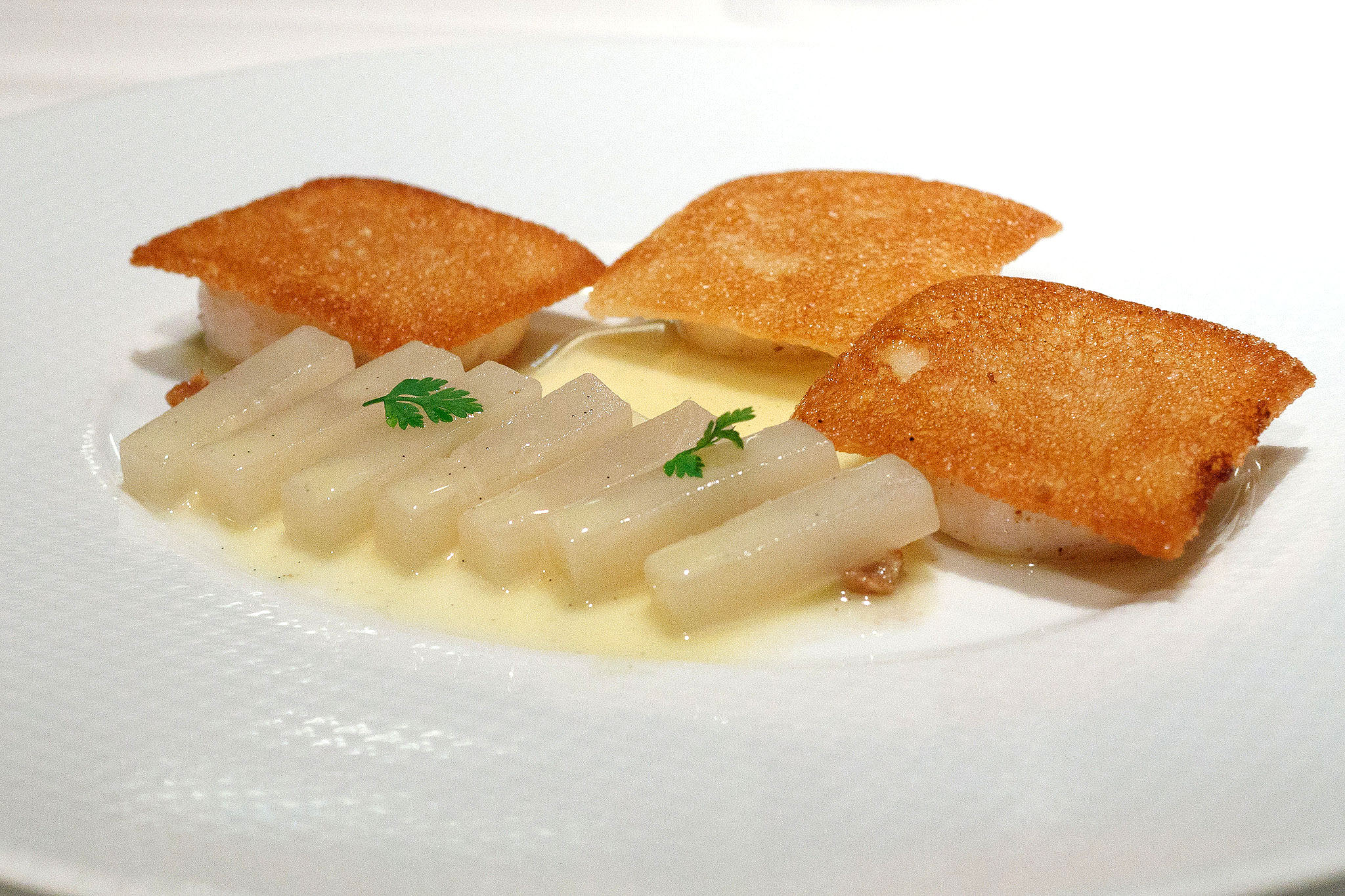 Signature, Tokyo - Toasted scallops and stewed vanilla turnips with candied lemon and walnut condiment