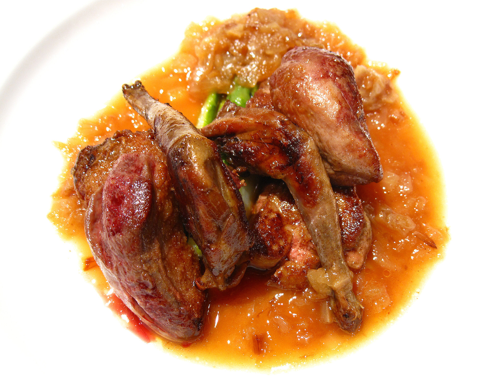 Combal.Zero - Zuppa di piccione, foie gras, asparagi, composta di cipolla