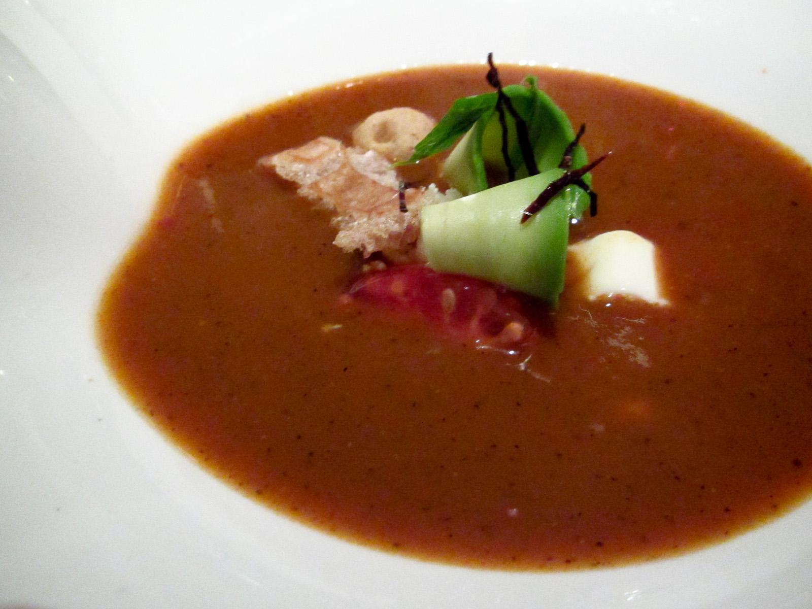 Pujol - Sopa de chicharrón, aguacate, y tortilla