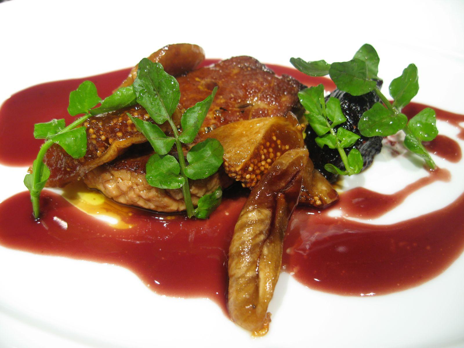 Le Foie Gras de Canard sauté aux figues et une sauce verjuté