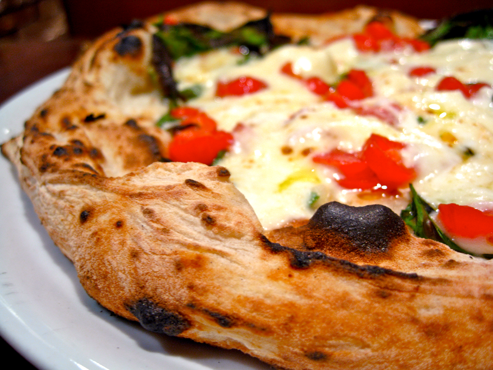 Burrata pizza closeup
