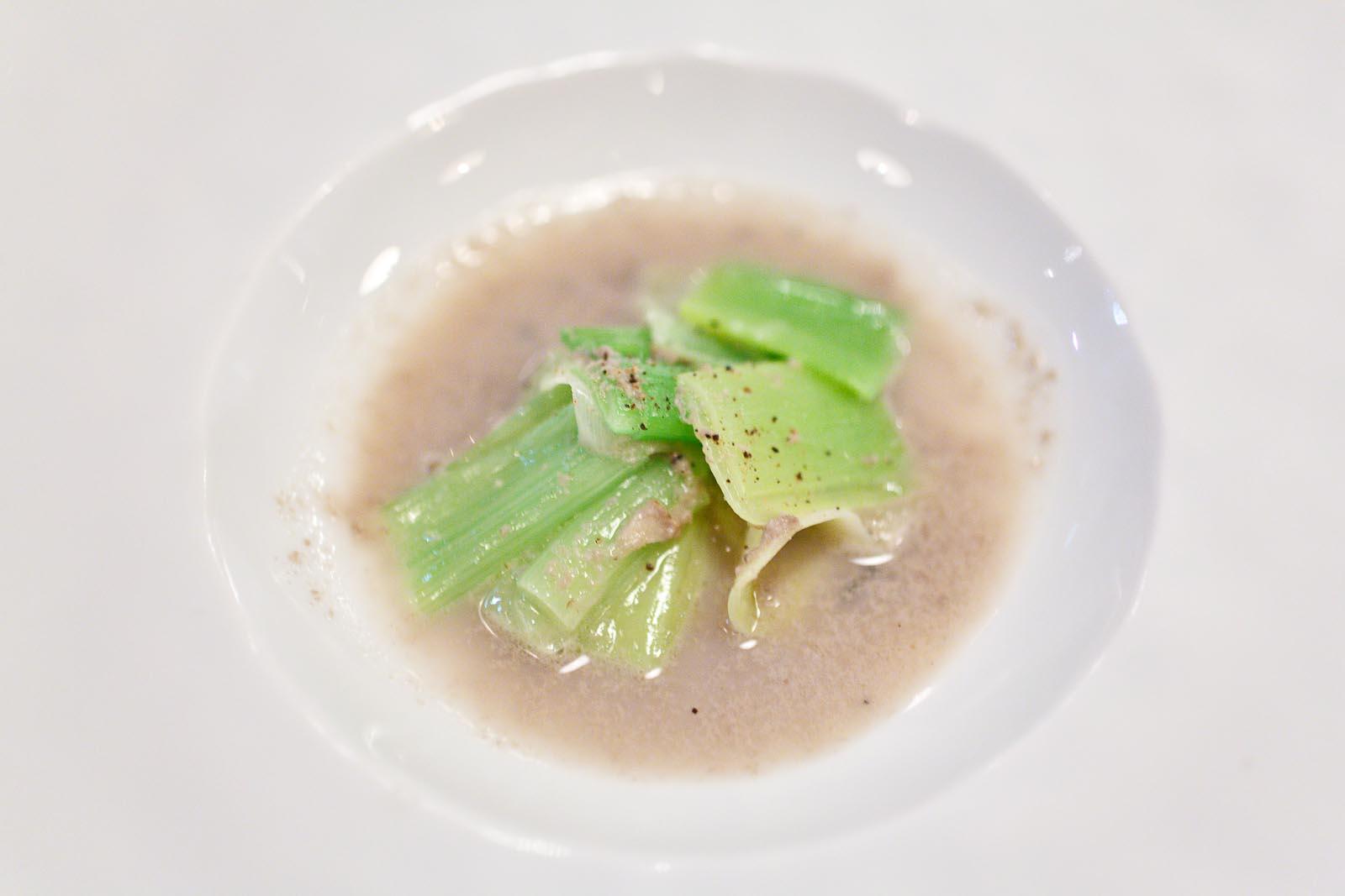 L'Agapé - Poireau de potager d'Alain Passard - Jus d'huîtres