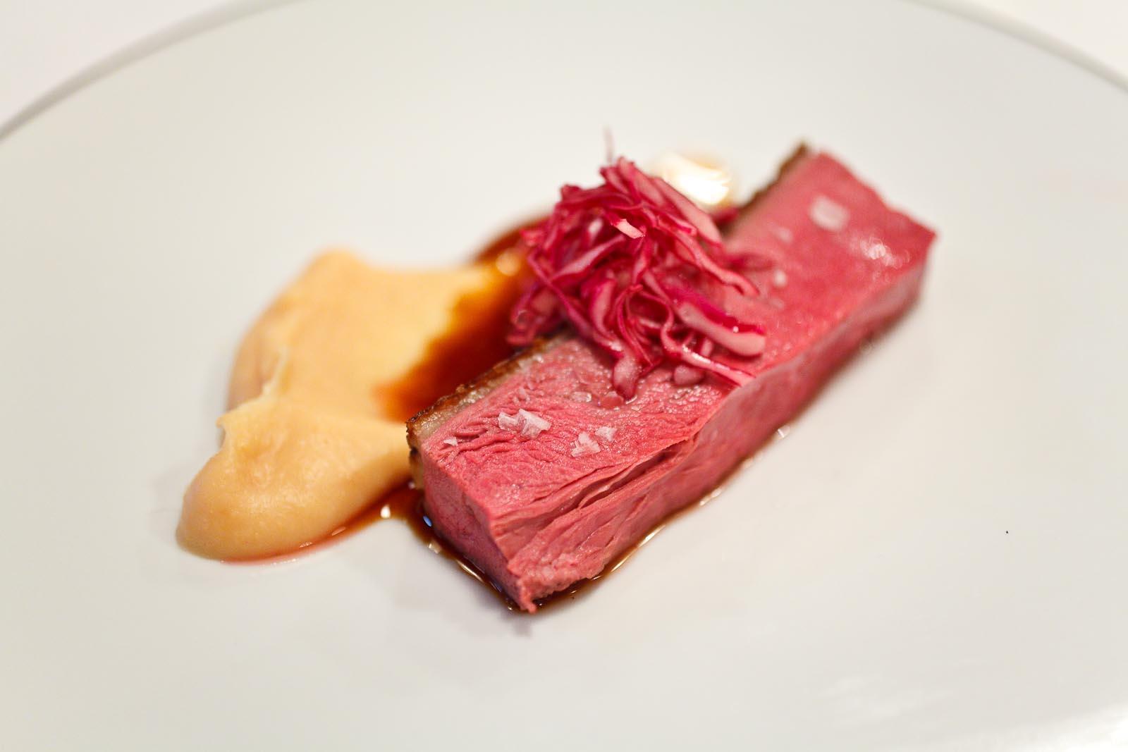 L'Agapé - Canard mallard de Landes - Chou-rouge, purée de coing, jus cuisson parfumé avec vinaigre fumé