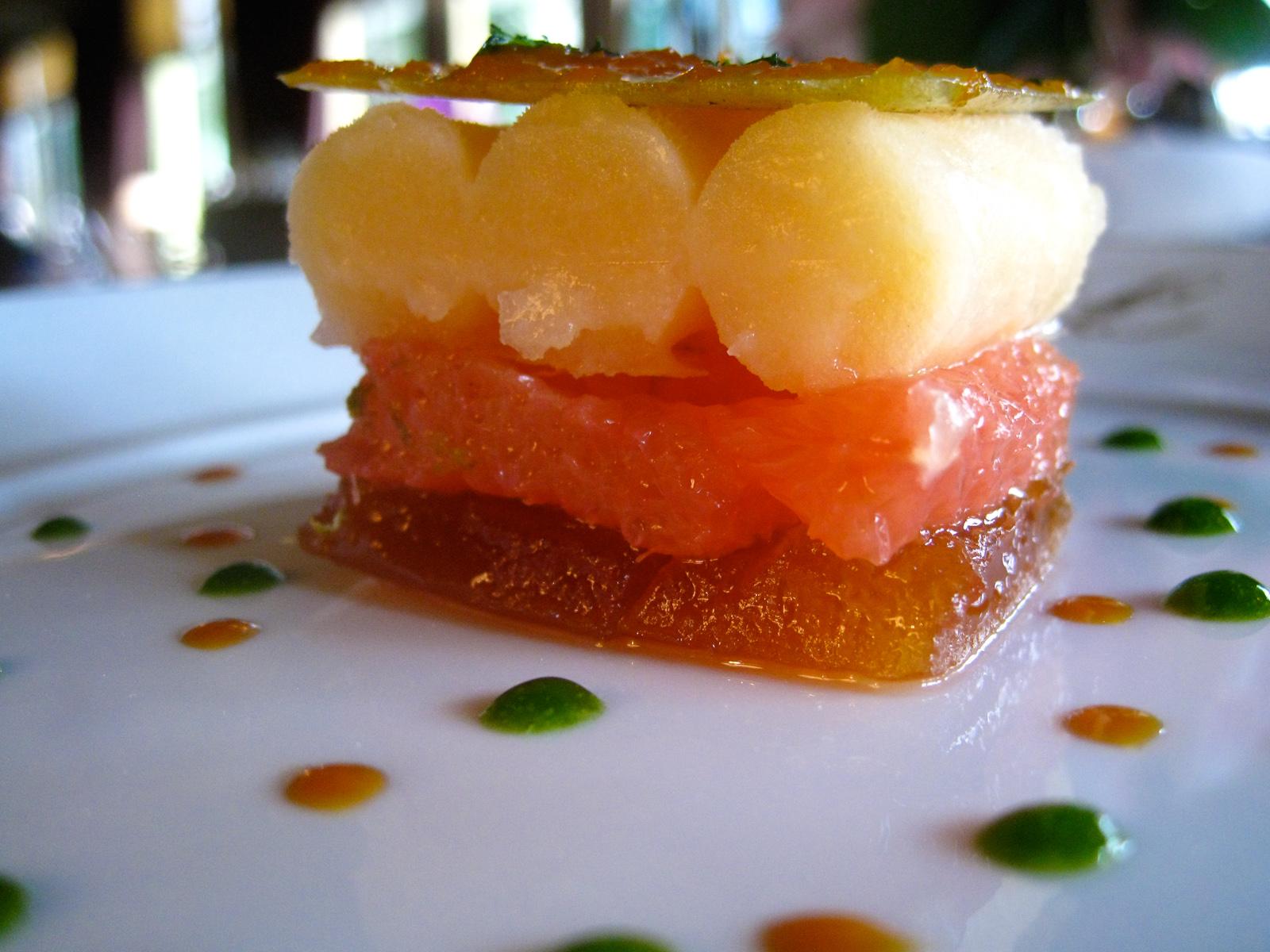 Ledoyen - Croquant de pamplemousse cuit et cru au citron vert