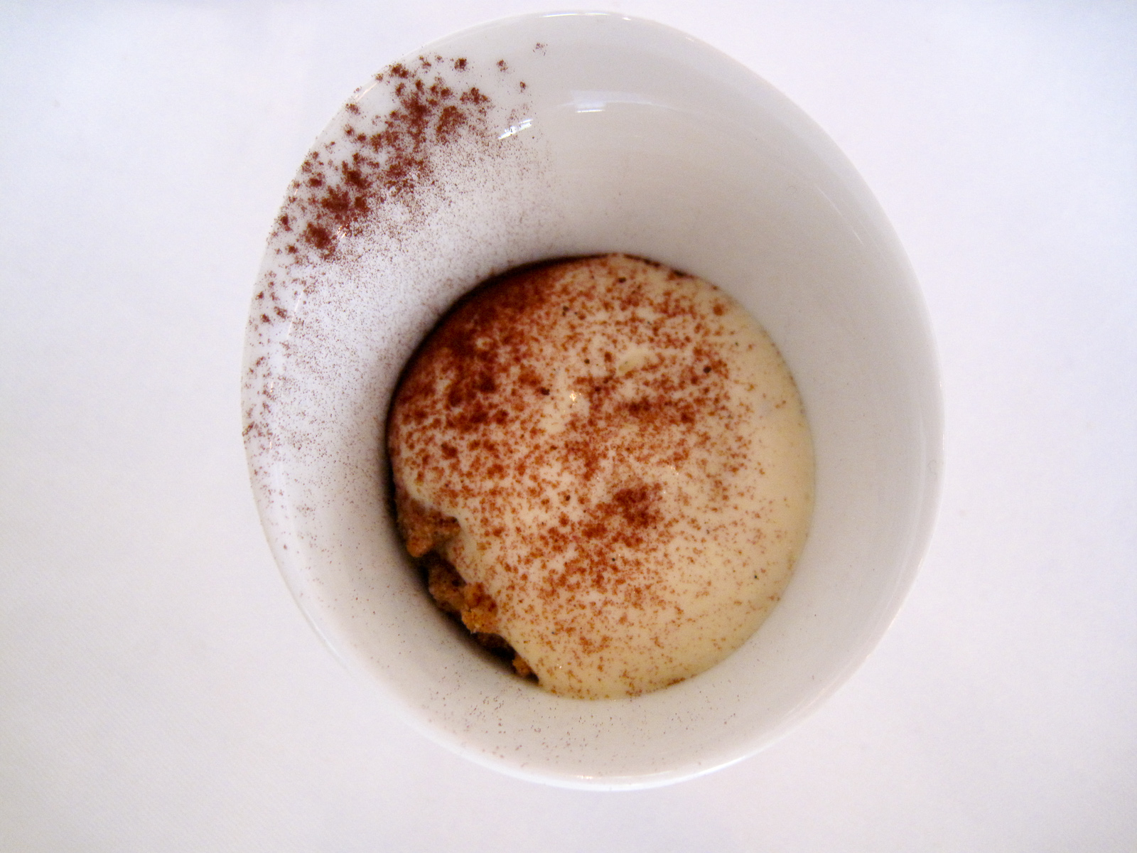 La Bigarrade - Tobacco infused oatmeal mousse, cocoa powder