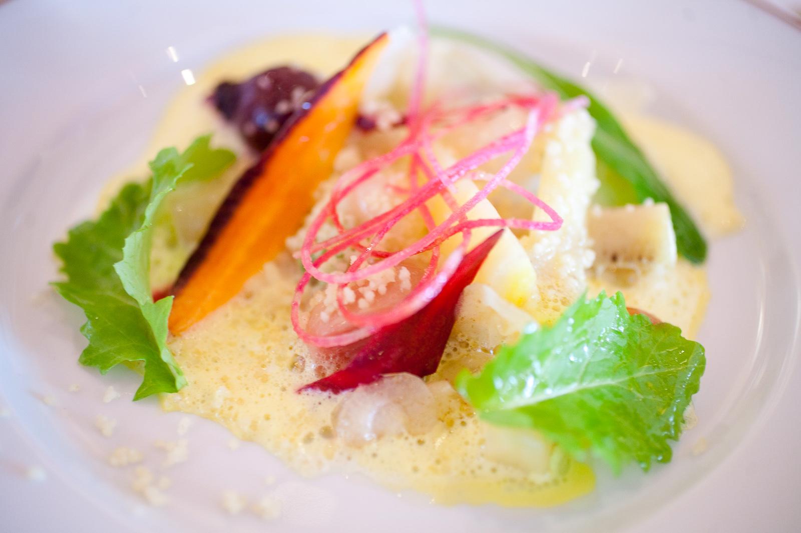 Arlequin potager à l'huile d'argan, radis long noir, carotte purple haze, navet atlantic, salsifis, betterave forono