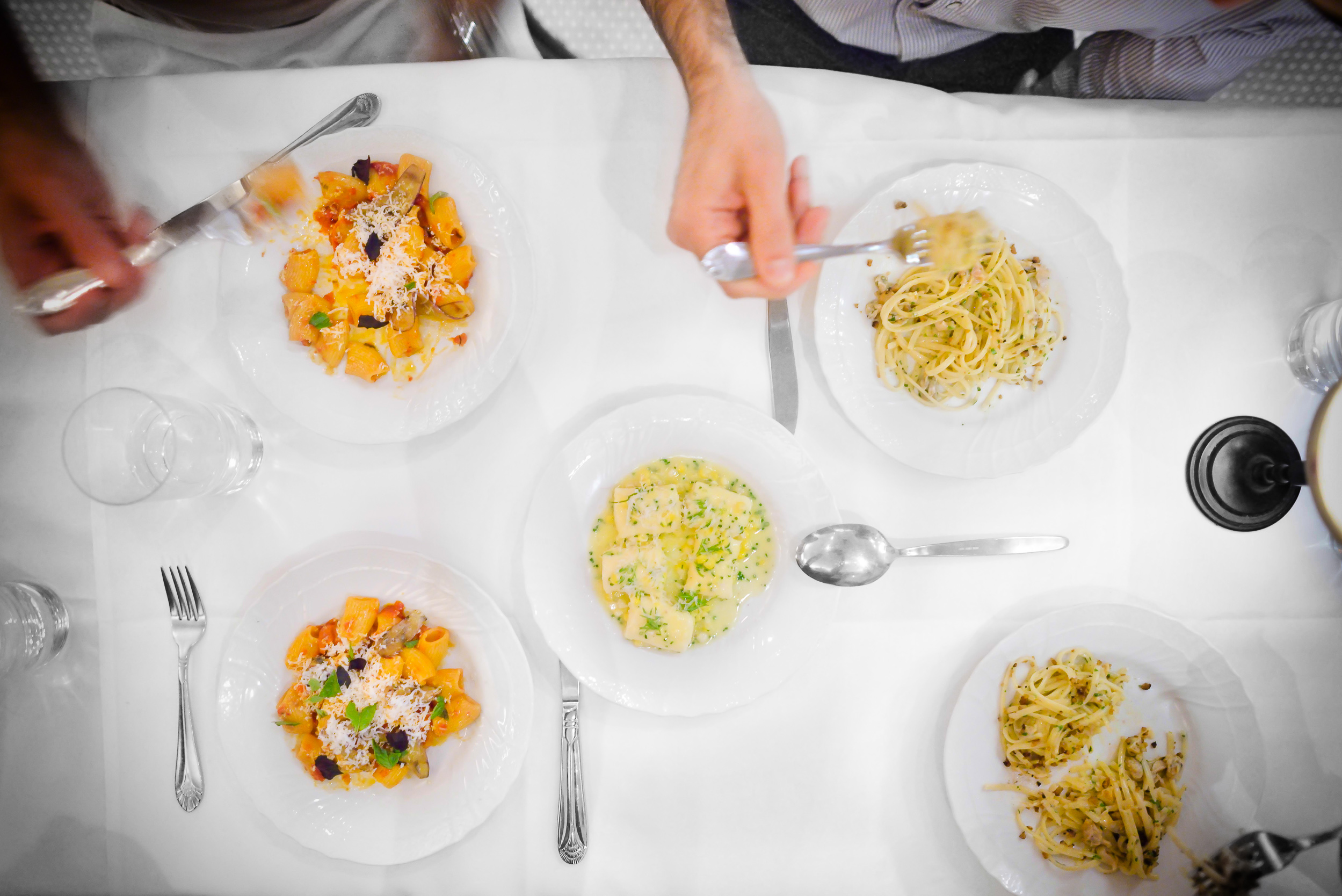9th, 10th, and 11th Courses: Linguine with clams, burnt pizza do