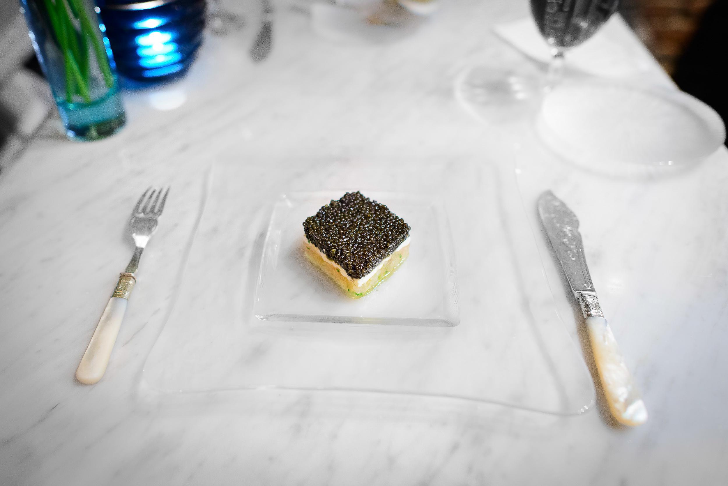 Tartare of shimaaji, caviar, ricotta cheese