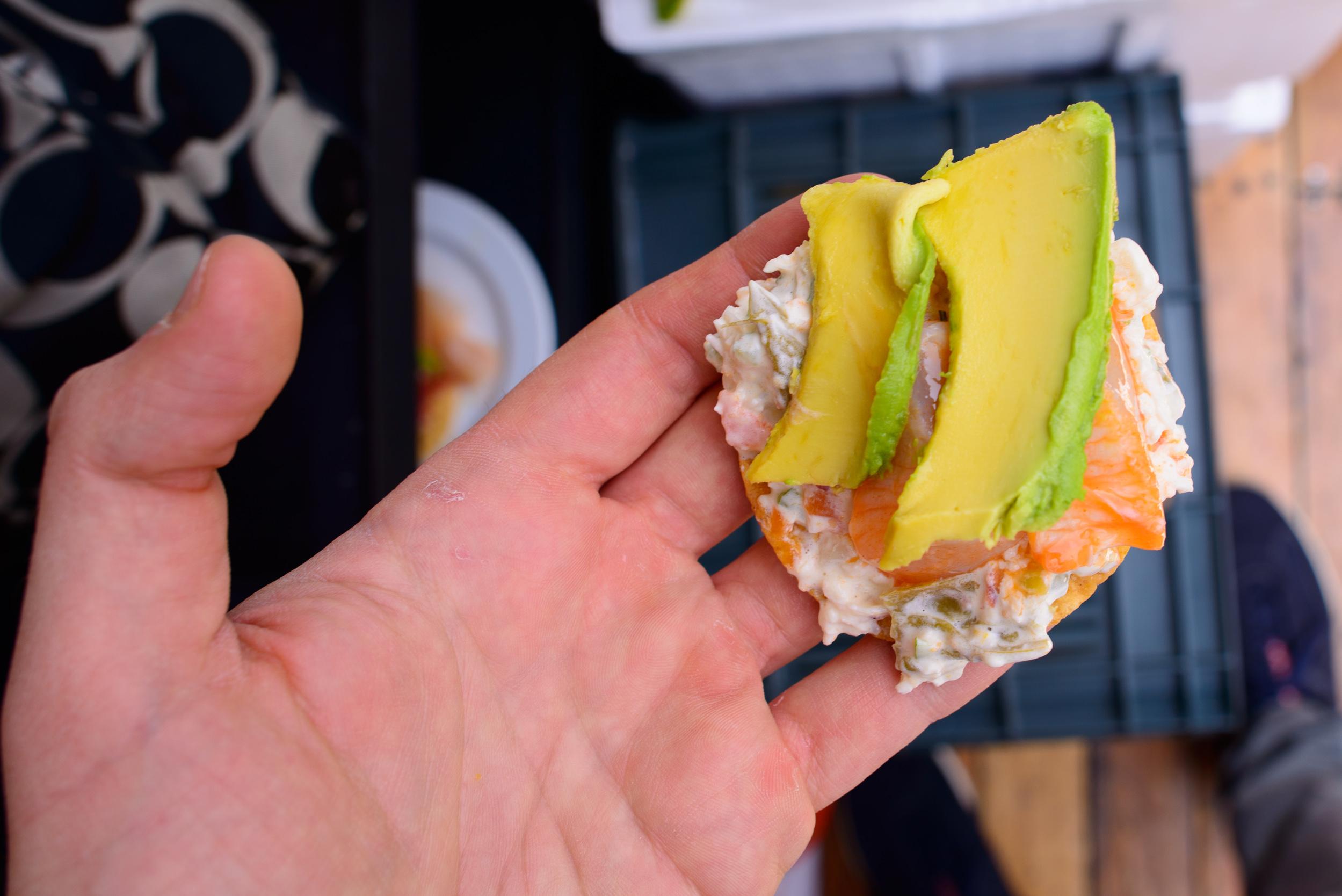 Tostadita de jaiba con callo de hacha (Crab tostada with diver s