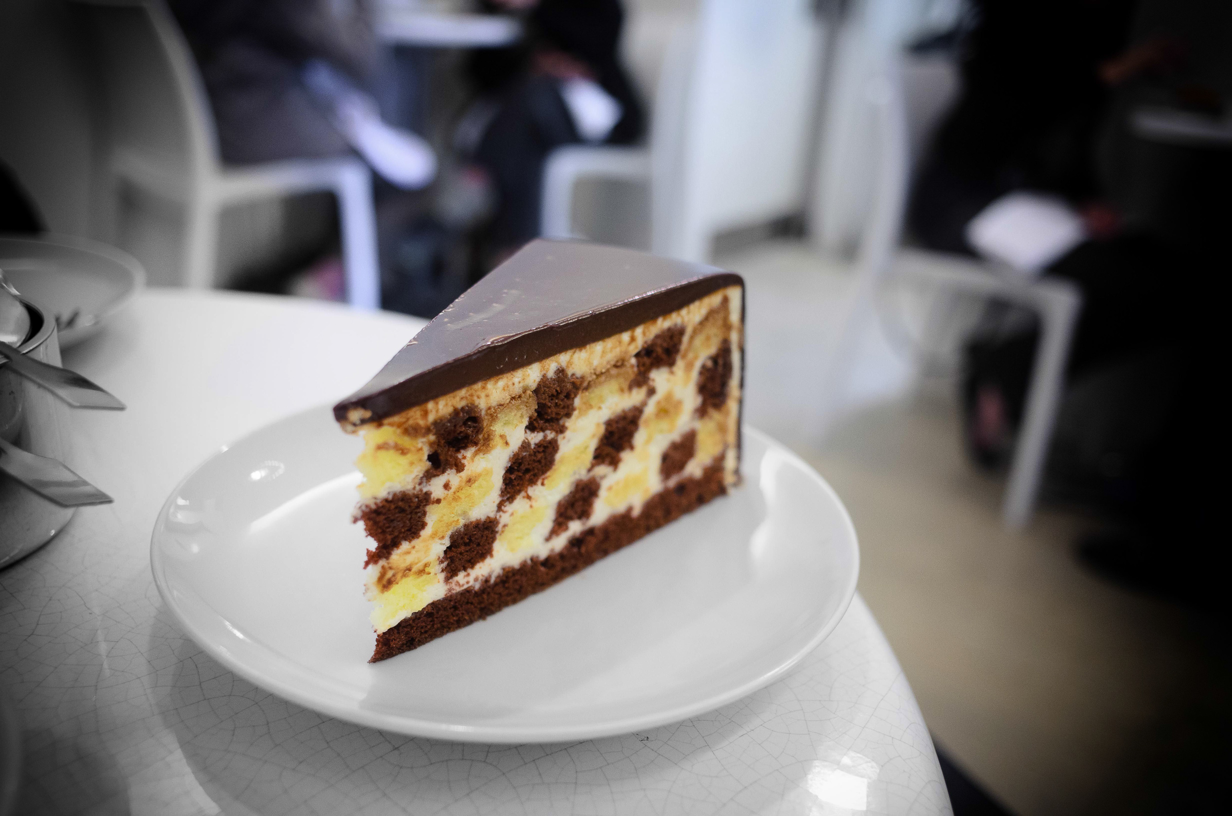 Checkers (vanilla and chocolate sponge cake, whipped cream, choc