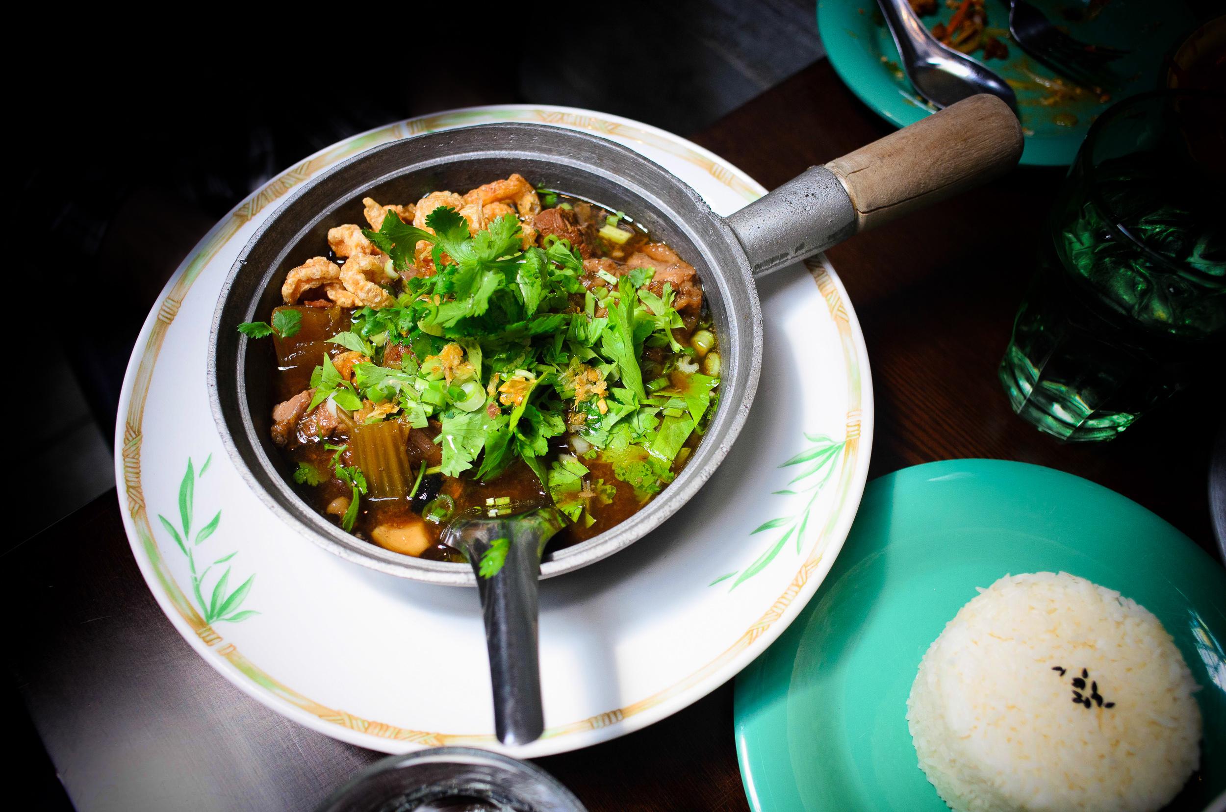Floating market stewed beef noodle: braised beef, beef tendon w/