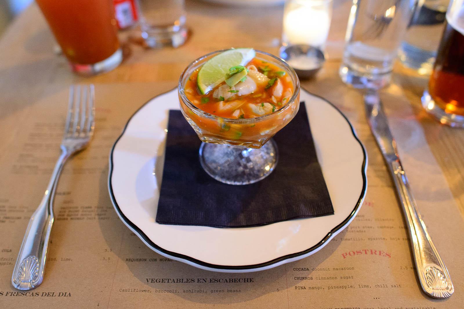 Coctel - clams, avocado, salsa Valentina