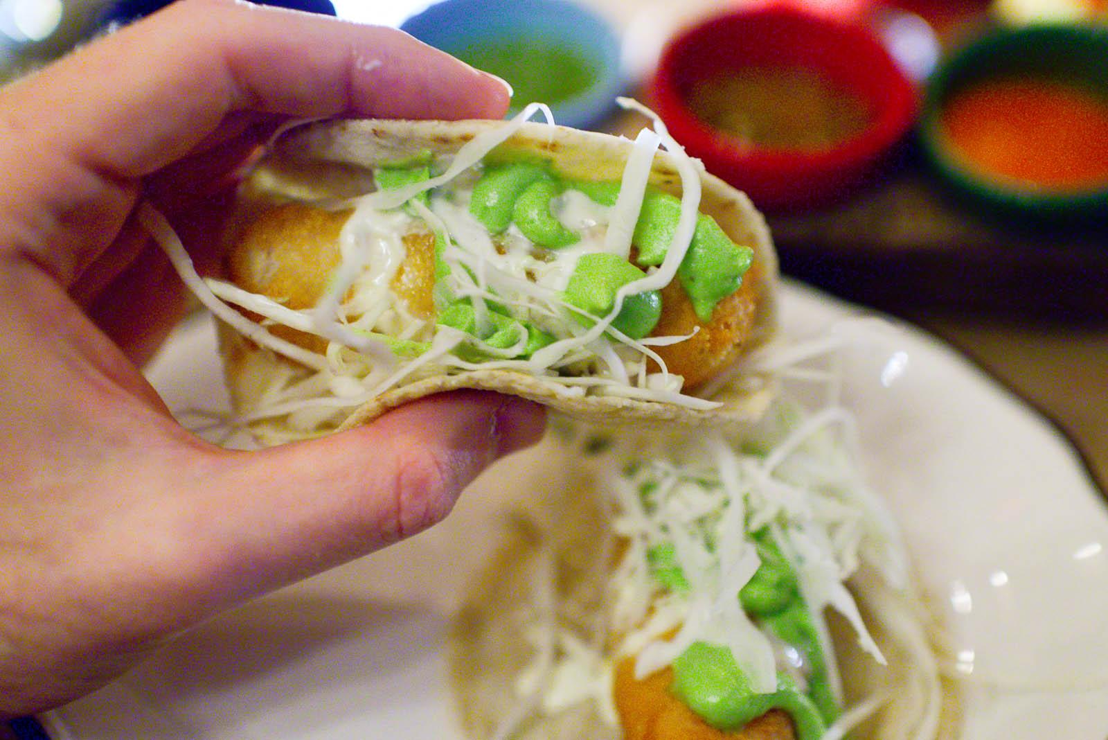 Taco de pescado estilo ensenada - striped bass, cabbage, avocado