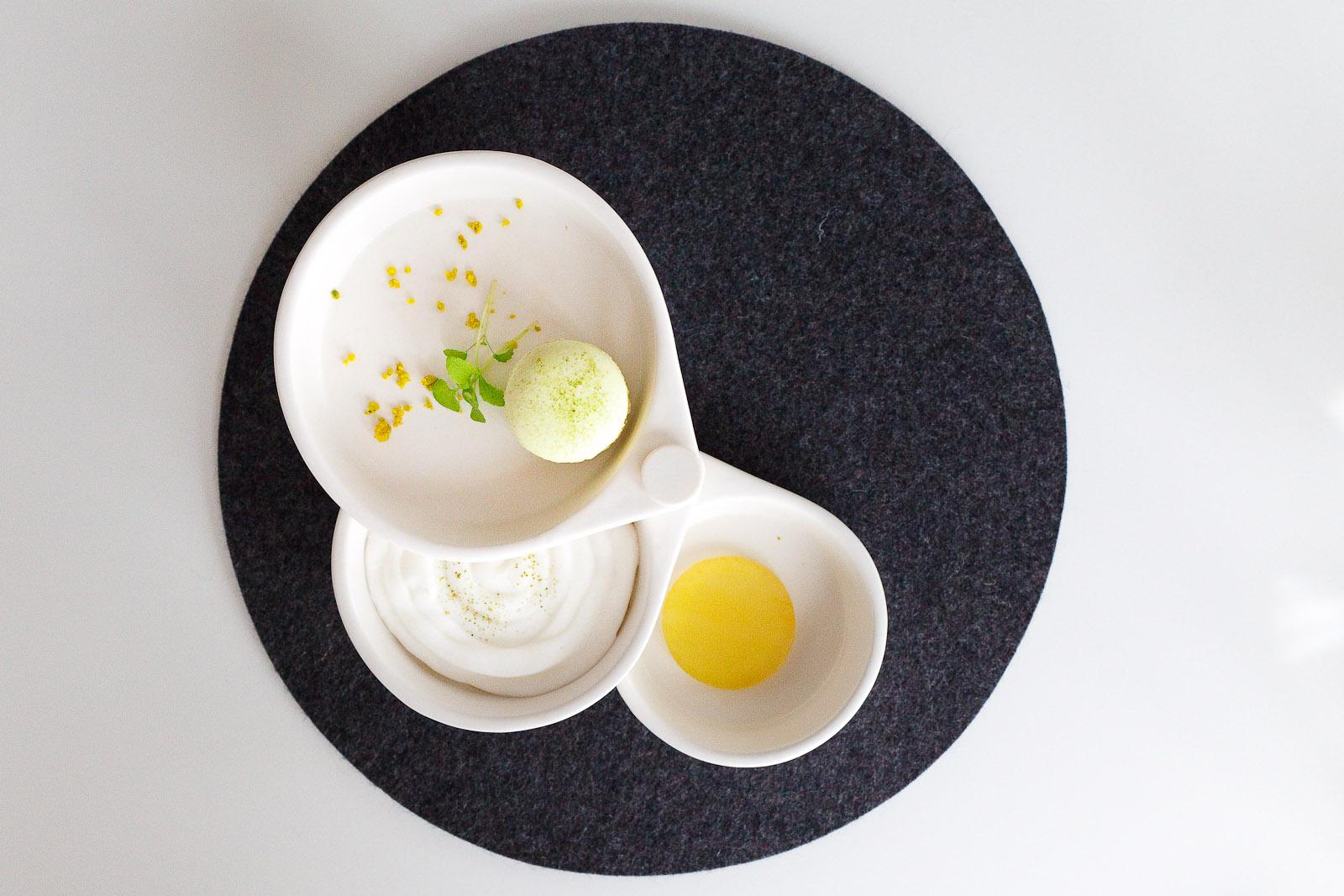 20th Course: Matcha tea - matcha macaron, apple foam with matcha, matcha-infused apple