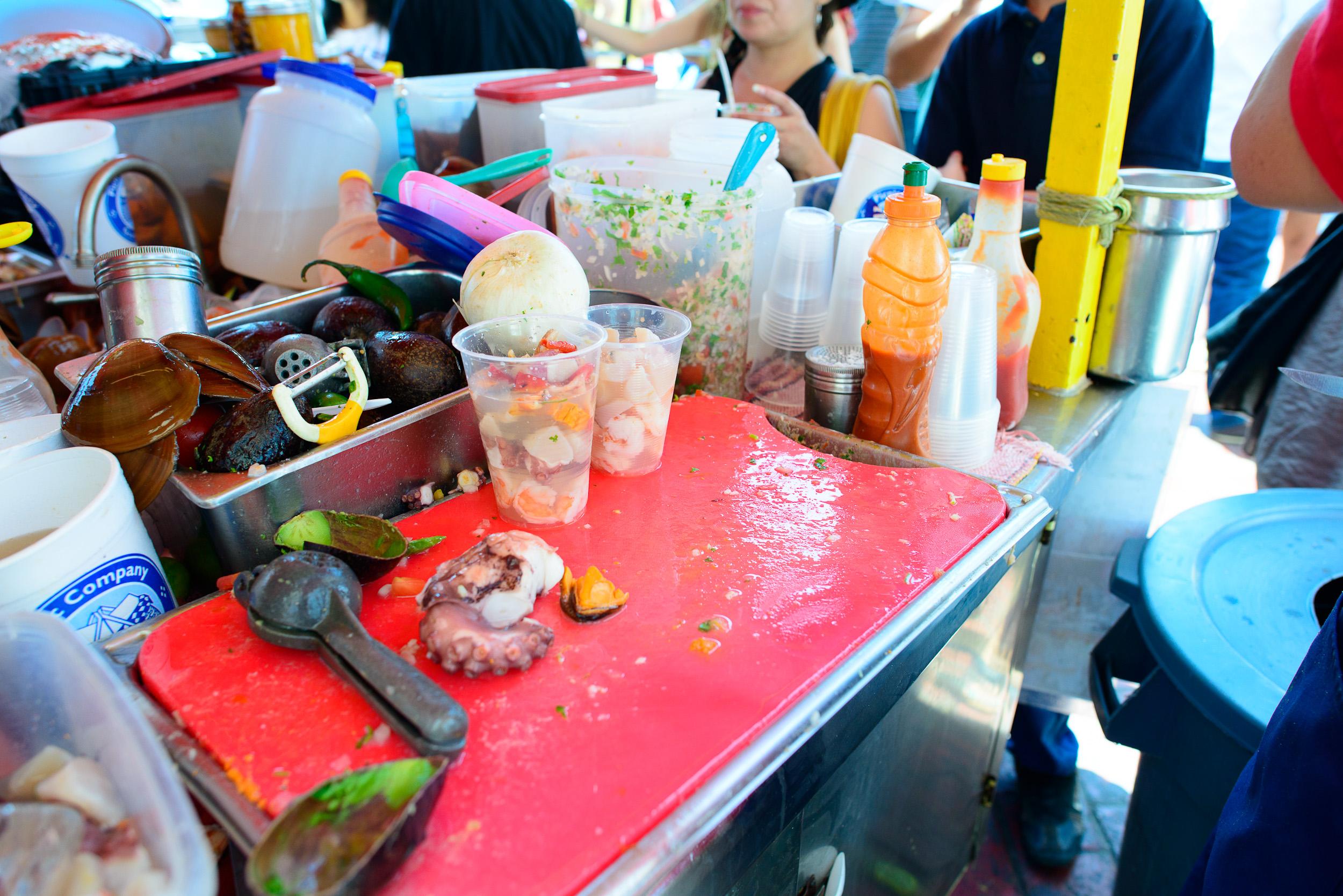 Filling cocteles (shrimp, octopus, scallop, chocolata clam, sea