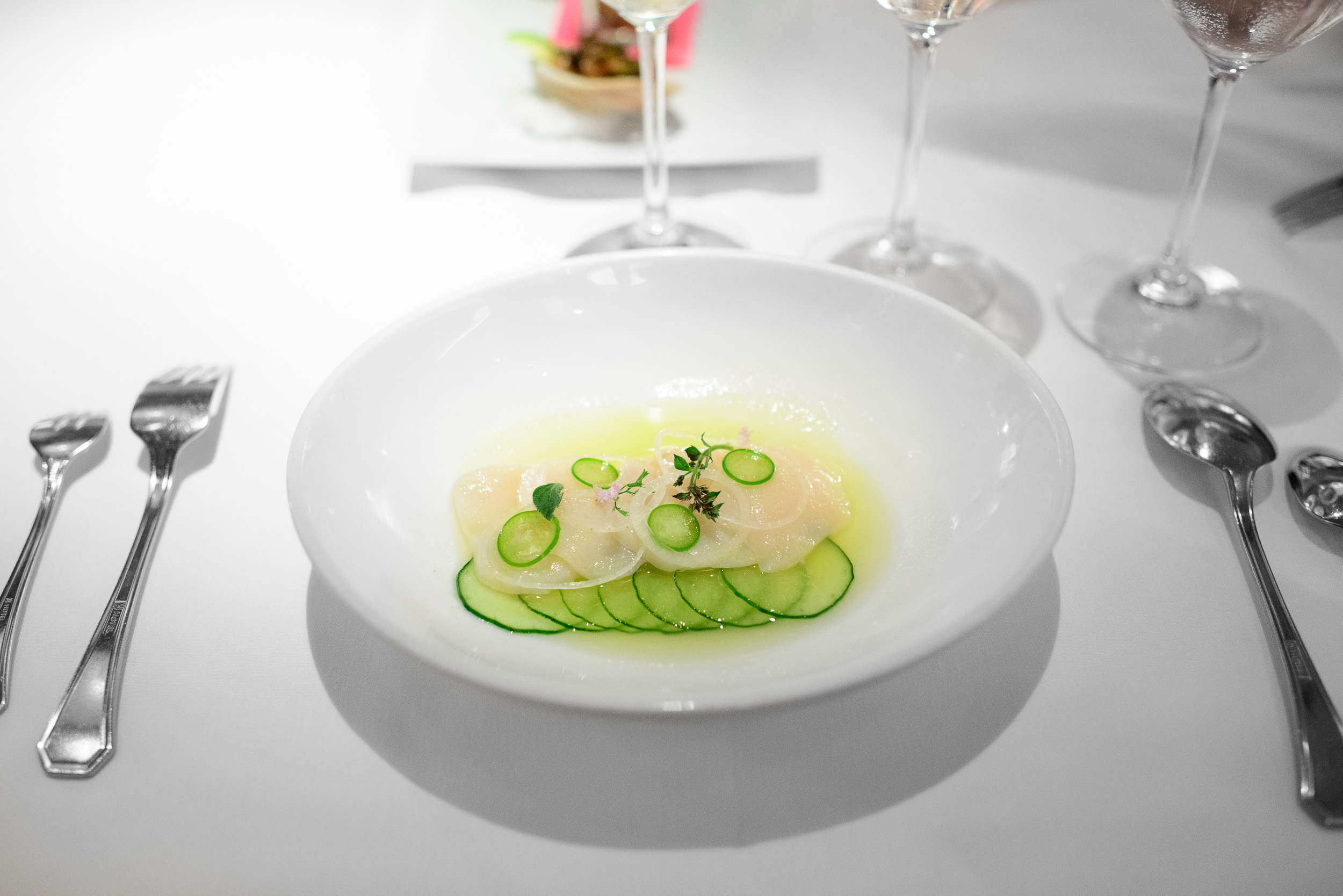 Aguachile de Callos de Hacha y Pina: sashimi-style Viking Villag