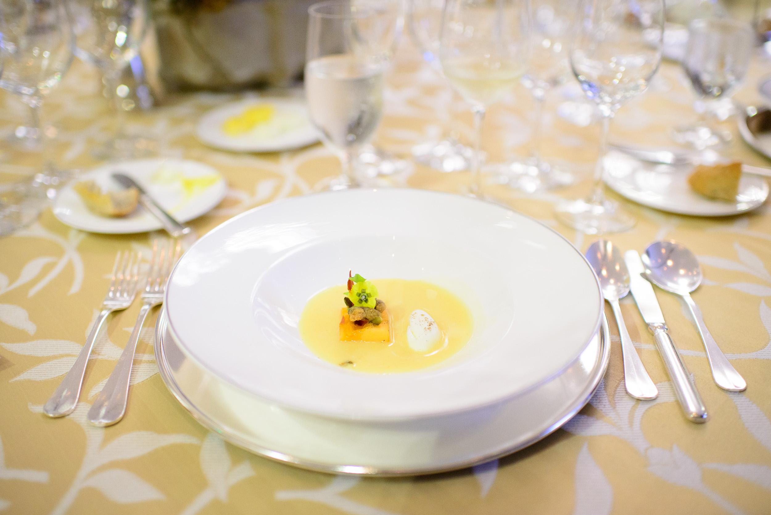2nd Course: Sopa de melón, Arturo Fernández, Raíz, Estado de